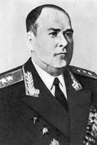 Горбовский Д.В. (генерал-полковник технических войск) - начальник Военной академии химических войск