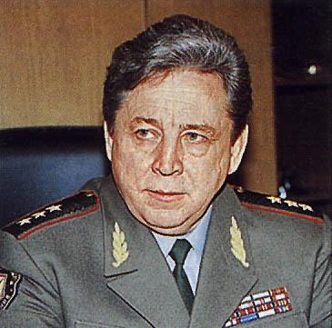 Петров Станислав Сергеевич (генерал-полковник) начальник войск РХБ защиты 1992 - 2001 гг.