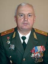 Владимир Иванович Филиппов, генерал-майор, начальник войск РХБЗ с мая 2003 года.