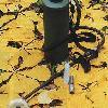 АВТОНОМНЫЙ БОРТОВОЙ ПРИБОР СПЕЦИАЛЬНОЙ ОБРАБОТКИ предназначен для проведения специальной бработки вооружения и военной техники методом орошения и протирания орошаемой щеткой. В качестве основной в приборе применяется рецептура на органической основе, но возможно использование и других штатных рецептур. В состав прибора входят: резервуар объемом 7,2 литра для раствора (рецептур) специальной обработки, автономный источник давления, распределительная головка с устройством для распыла и нанесения растворов, устройство для крепления прибора на объектах ВВТ и переноски прибора во время обработки.